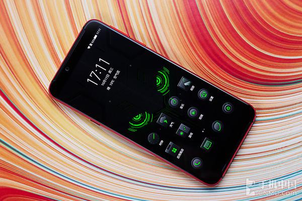 Анонс игрового Xiaomi Black Shark 2 и видео с его распаковкой