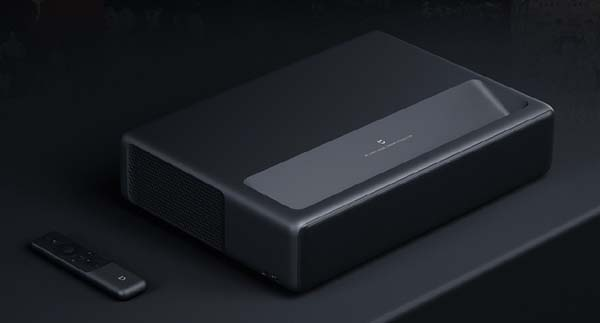 """Компания Xiaomi представила """"продвинутый"""" проектор"""