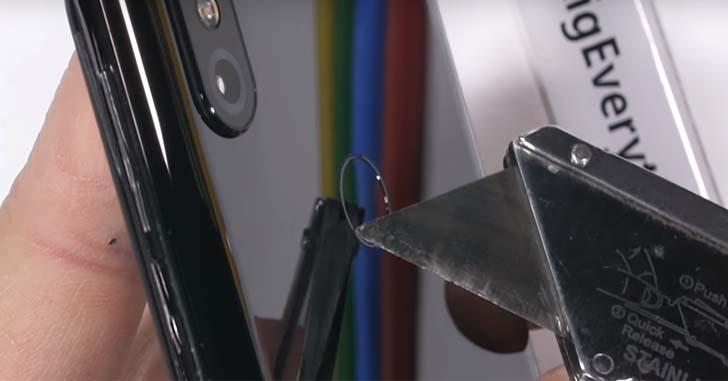 Слайдер Xiaomi Mi Mix 3 проверили на прочность