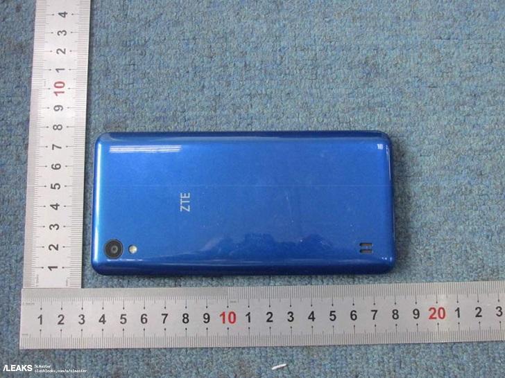 ZTE Axon A5 замечен на реальных фотографиях