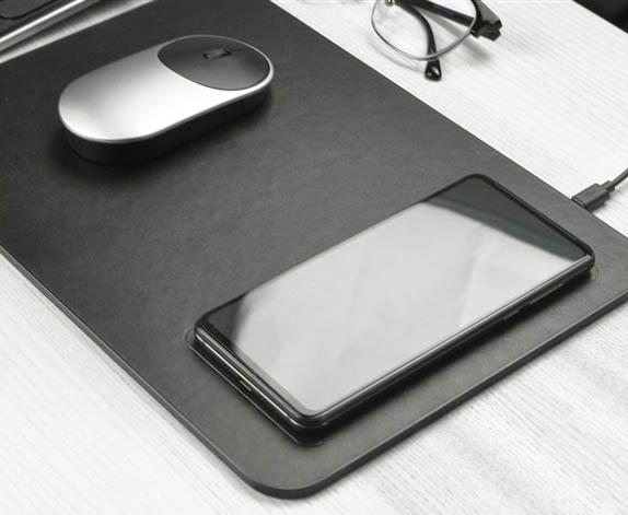 Xiaomi выпустила еще один коврик для мышки с беспроводной зарядкой