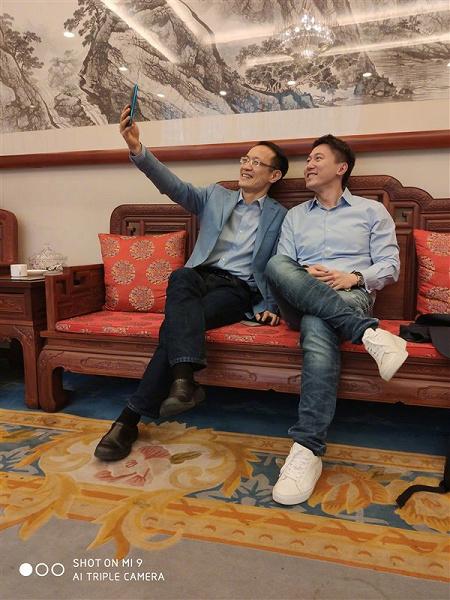 Президент Xiaomi Лин Бин показал Redmi K20 Pro
