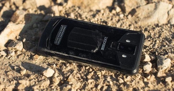 Анонсирован неубиваемый смартфон Doogee S90 Pro