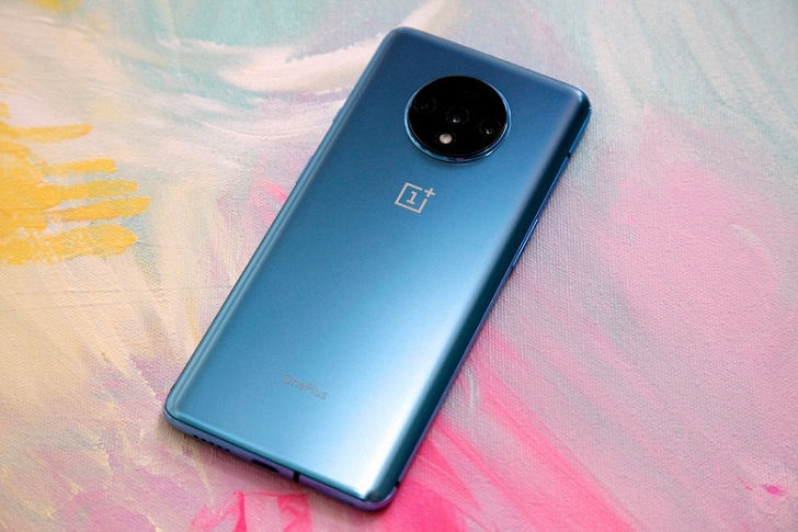 1571144683 oneplus 7t 2 large - List of games with support for 90 Hz refresh rate for OnePlus 7T published