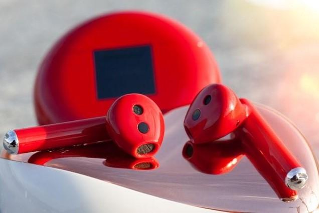 Беспроводные наушники FreeBuds 3 в красном цвете ко Дню святого Валентина