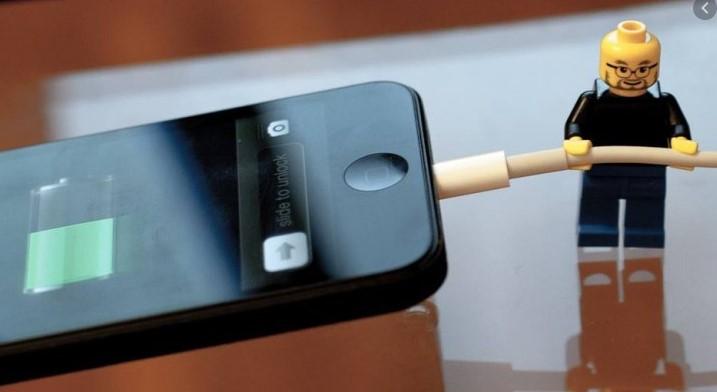 Как правильно заряжать телефон?