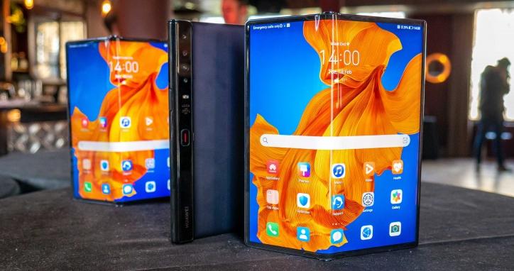 Huawei Mate Xs поступит в продажу в Украине