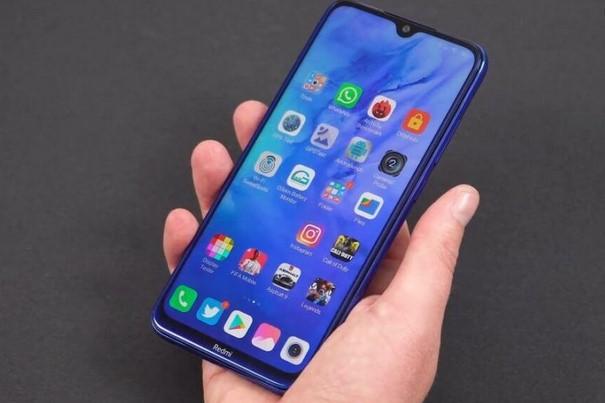 Redmi Note 8T - один из самых популярных смартфонов у украинцев, и сейчас он еще сильнее подешевел